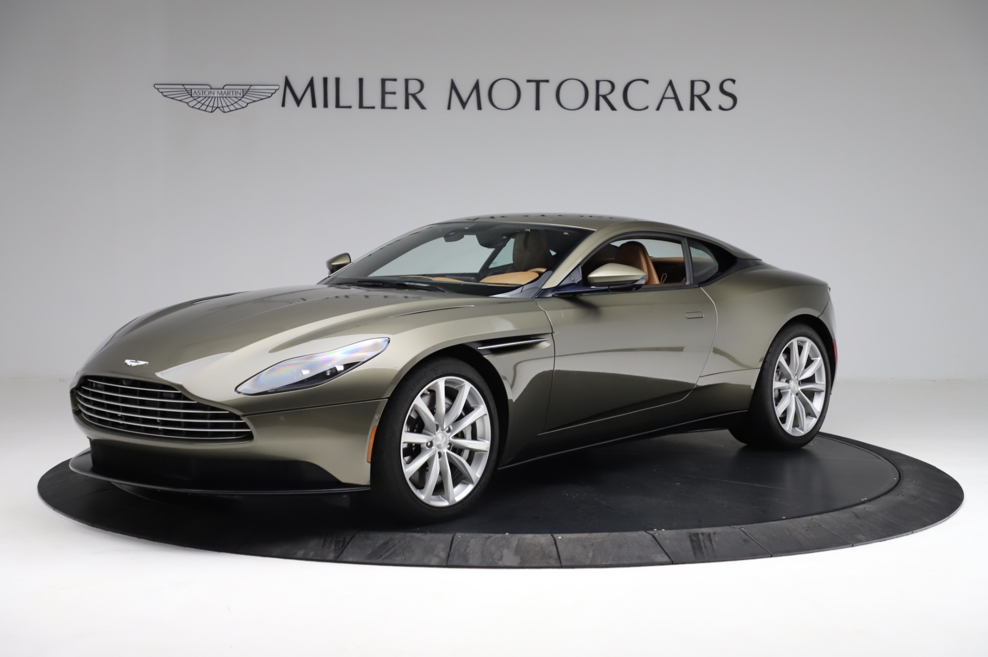 Used 2018 Aston Martin DB11 V8 for sale $151,900 at Alfa Romeo of Greenwich in Greenwich CT 06830 1