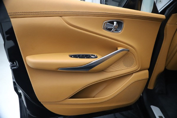New 2021 Aston Martin DBX for sale $207,886 at Alfa Romeo of Greenwich in Greenwich CT 06830 16