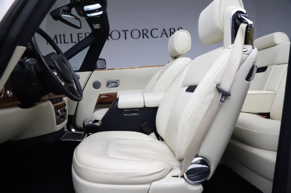 Used 2009 Rolls-Royce Phantom Drophead Coupe for sale $225,900 at Alfa Romeo of Greenwich in Greenwich CT 06830 21