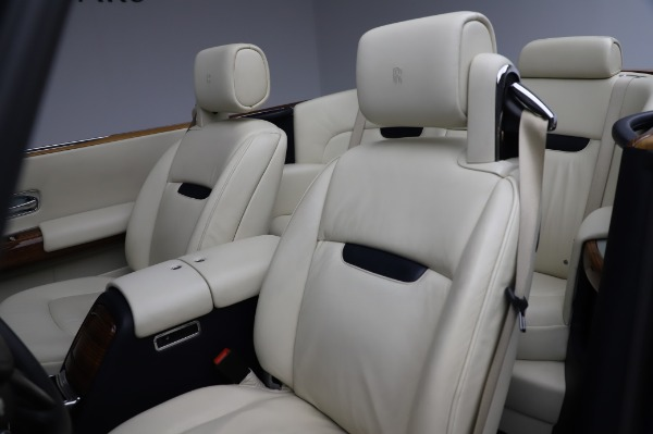 Used 2009 Rolls-Royce Phantom Drophead Coupe for sale $225,900 at Alfa Romeo of Greenwich in Greenwich CT 06830 22