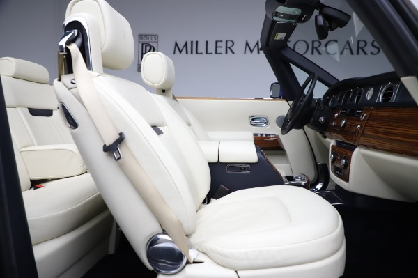 Used 2009 Rolls-Royce Phantom Drophead Coupe for sale $225,900 at Alfa Romeo of Greenwich in Greenwich CT 06830 25