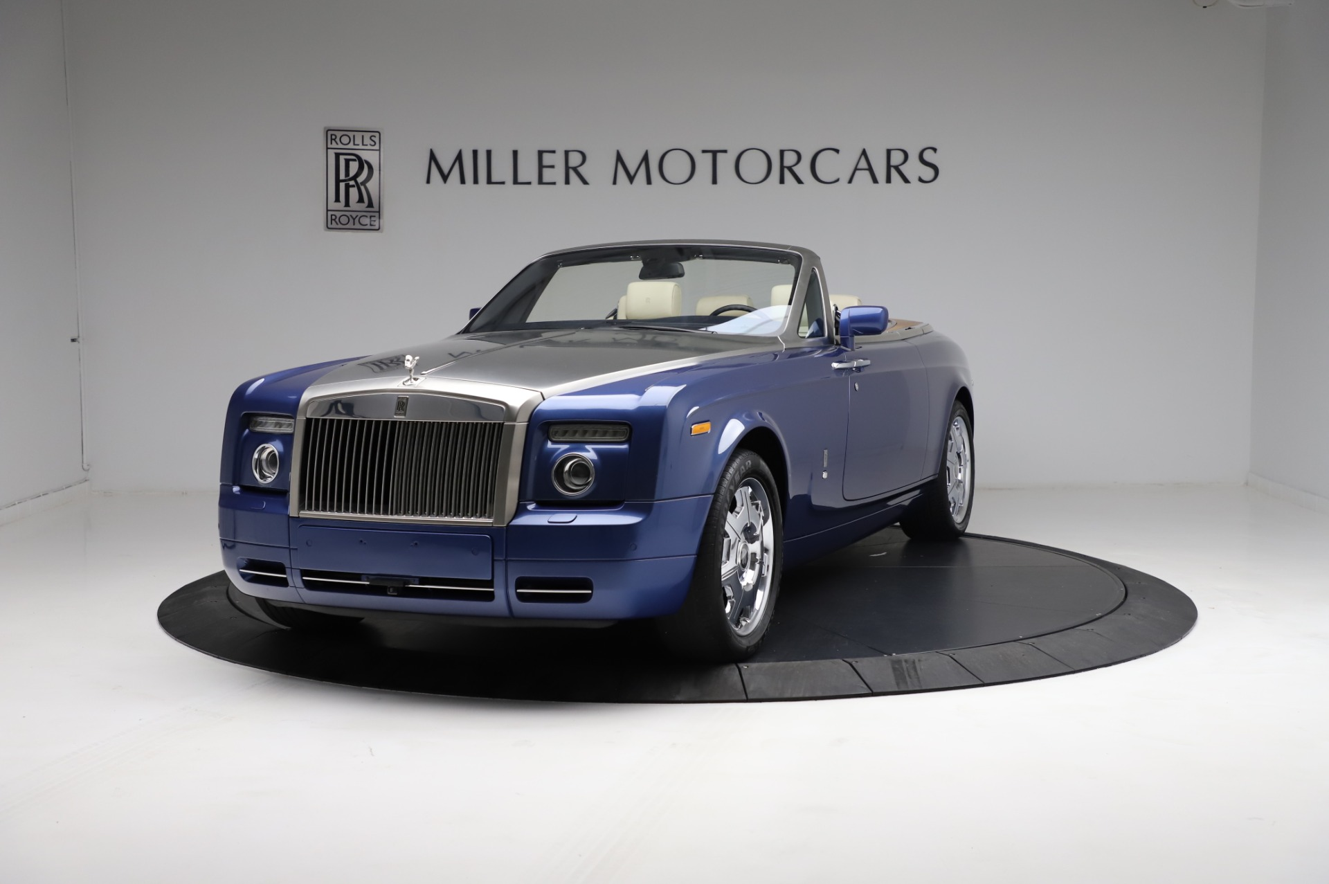 Used 2009 Rolls-Royce Phantom Drophead Coupe for sale $225,900 at Alfa Romeo of Greenwich in Greenwich CT 06830 1