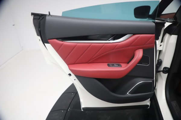 New 2021 Maserati Levante Q4 GranSport for sale $92,485 at Alfa Romeo of Greenwich in Greenwich CT 06830 20