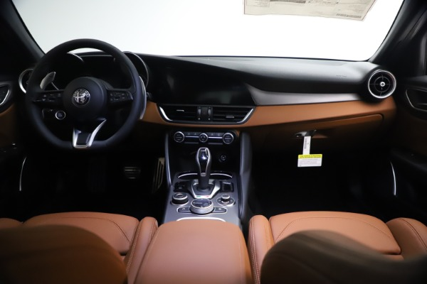New 2021 Alfa Romeo Giulia Ti Sport Q4 for sale $54,050 at Alfa Romeo of Greenwich in Greenwich CT 06830 16