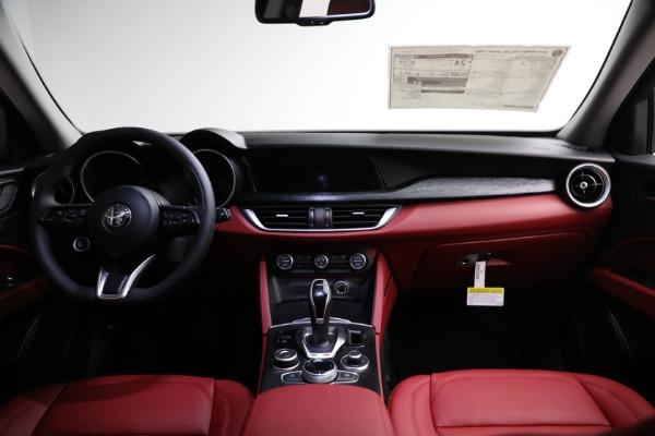 New 2021 Alfa Romeo Stelvio Q4 for sale $50,445 at Alfa Romeo of Greenwich in Greenwich CT 06830 15