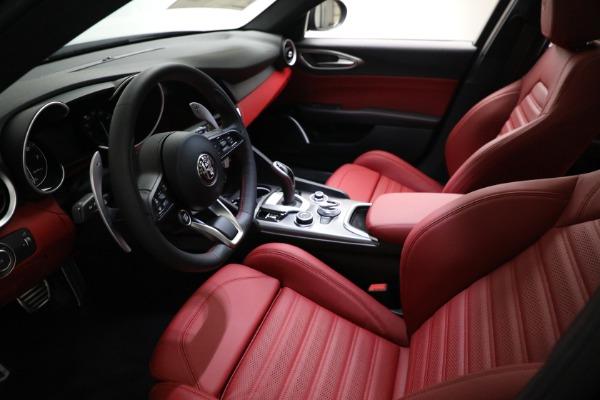 New 2021 Alfa Romeo Giulia Ti Sport Q4 for sale $54,050 at Alfa Romeo of Greenwich in Greenwich CT 06830 13