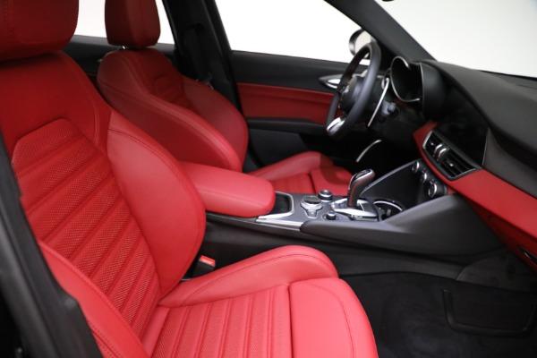 New 2021 Alfa Romeo Giulia Ti Sport Q4 for sale $54,050 at Alfa Romeo of Greenwich in Greenwich CT 06830 21