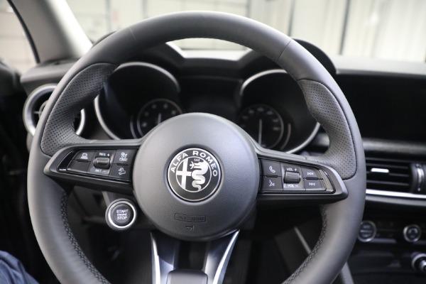 New 2021 Alfa Romeo Stelvio Q4 for sale $50,445 at Alfa Romeo of Greenwich in Greenwich CT 06830 17
