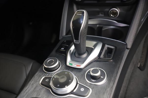 New 2021 Alfa Romeo Stelvio Q4 for sale $49,945 at Alfa Romeo of Greenwich in Greenwich CT 06830 18