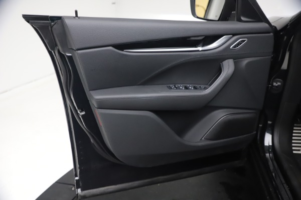 New 2021 Maserati Levante Q4 for sale Sold at Alfa Romeo of Greenwich in Greenwich CT 06830 16