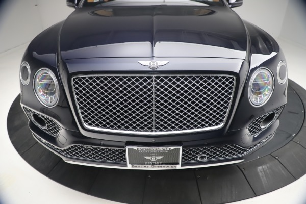 Used 2018 Bentley Bentayga W12 Signature for sale $149,900 at Alfa Romeo of Greenwich in Greenwich CT 06830 13