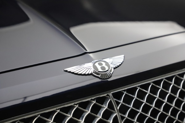 Used 2018 Bentley Bentayga W12 Signature for sale $149,900 at Alfa Romeo of Greenwich in Greenwich CT 06830 14