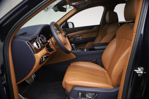 Used 2018 Bentley Bentayga W12 Signature for sale $149,900 at Alfa Romeo of Greenwich in Greenwich CT 06830 18