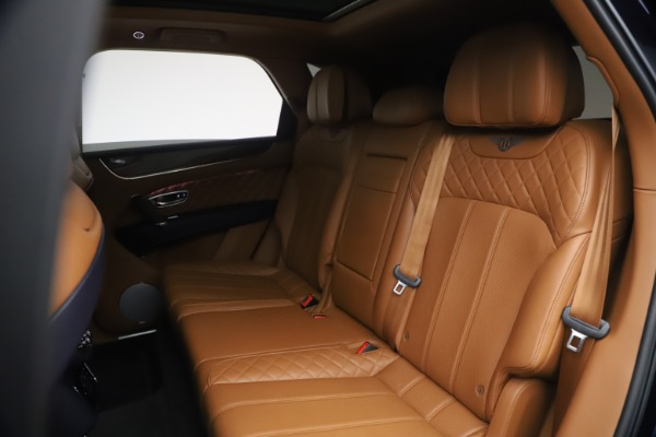Used 2018 Bentley Bentayga W12 Signature for sale $149,900 at Alfa Romeo of Greenwich in Greenwich CT 06830 23