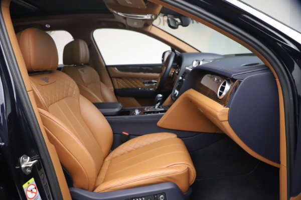 Used 2018 Bentley Bentayga W12 Signature for sale $149,900 at Alfa Romeo of Greenwich in Greenwich CT 06830 26