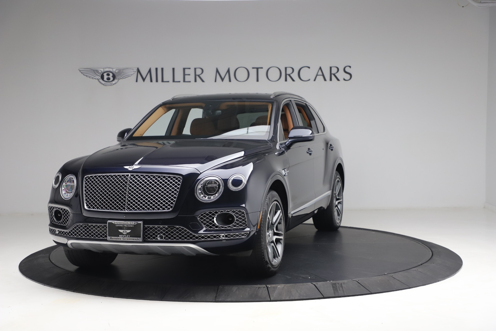 Used 2018 Bentley Bentayga W12 Signature for sale $149,900 at Alfa Romeo of Greenwich in Greenwich CT 06830 1