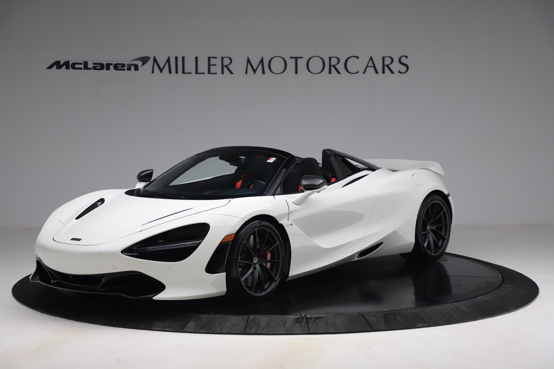 New 2021 McLaren 720S Spider for sale $366,670 at Alfa Romeo of Greenwich in Greenwich CT 06830 1