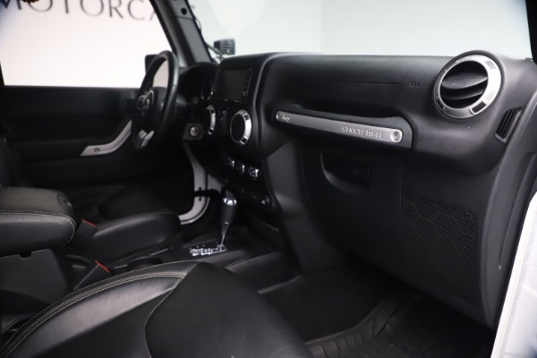 Used 2015 Jeep Wrangler Unlimited Rubicon Hard Rock for sale $39,900 at Alfa Romeo of Greenwich in Greenwich CT 06830 27