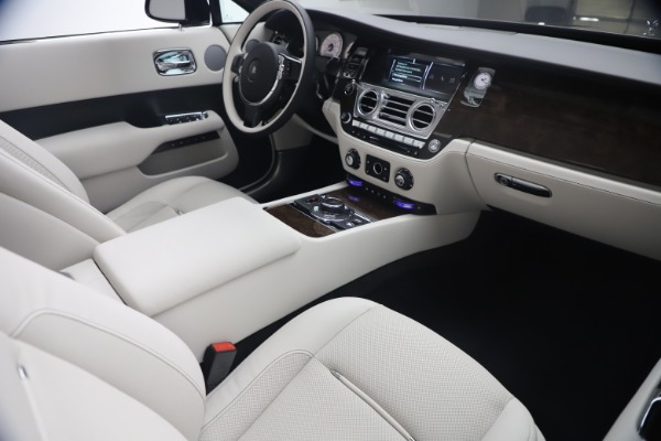 New 2021 Rolls-Royce Dawn for sale Call for price at Alfa Romeo of Greenwich in Greenwich CT 06830 28
