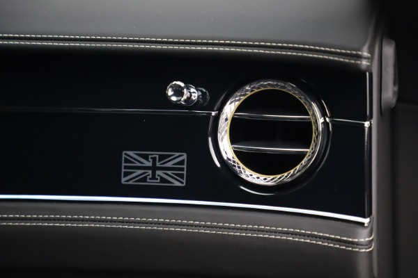 New 2020 Bentley Flying Spur First Edition for sale $276,070 at Alfa Romeo of Greenwich in Greenwich CT 06830 24