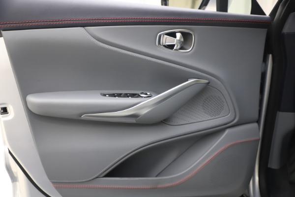 New 2021 Aston Martin DBX for sale $210,786 at Alfa Romeo of Greenwich in Greenwich CT 06830 15