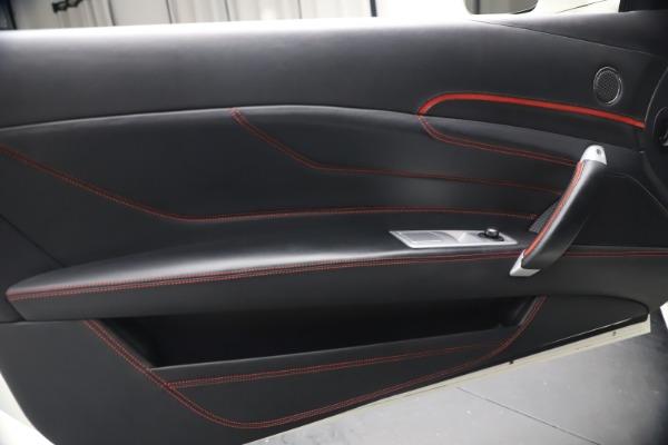Used 2015 Ferrari FF for sale $159,900 at Alfa Romeo of Greenwich in Greenwich CT 06830 17
