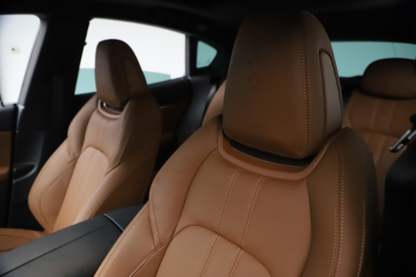 New 2021 Maserati Levante GranSport for sale $73,900 at Alfa Romeo of Greenwich in Greenwich CT 06830 15
