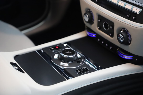 Used 2021 Rolls-Royce Wraith for sale $444,275 at Alfa Romeo of Greenwich in Greenwich CT 06830 25