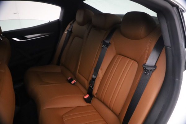 New 2021 Maserati Ghibli SQ4 for sale $85,804 at Alfa Romeo of Greenwich in Greenwich CT 06830 21