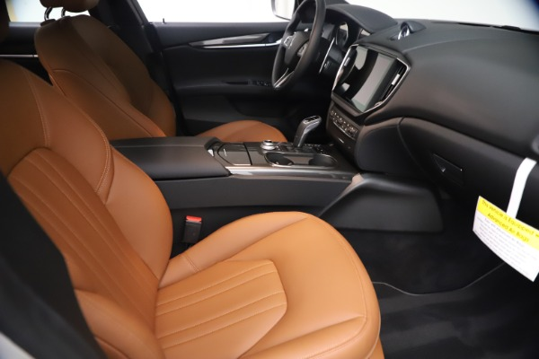 New 2021 Maserati Ghibli SQ4 for sale $85,804 at Alfa Romeo of Greenwich in Greenwich CT 06830 24