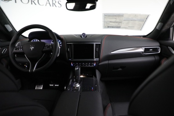 New 2021 Maserati Levante GTS for sale $138,385 at Alfa Romeo of Greenwich in Greenwich CT 06830 23