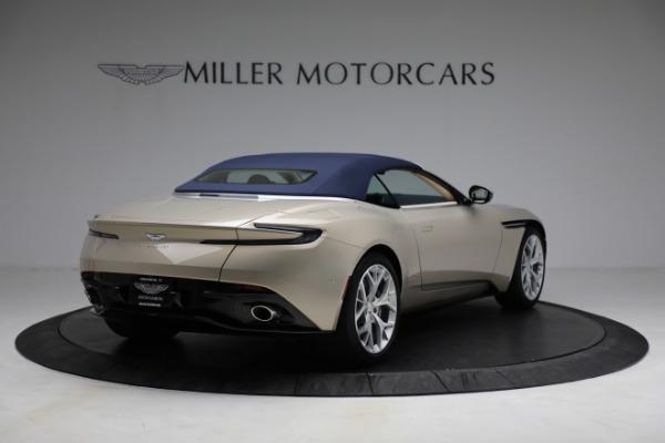 Used 2019 Aston Martin DB11 Volante for sale $209,900 at Alfa Romeo of Greenwich in Greenwich CT 06830 28
