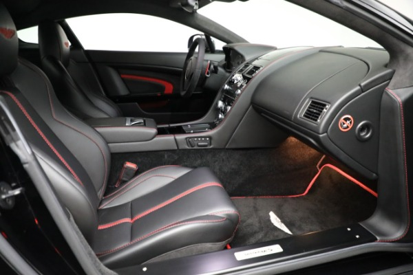 Used 2015 Aston Martin V12 Vantage S for sale $119,900 at Alfa Romeo of Greenwich in Greenwich CT 06830 22