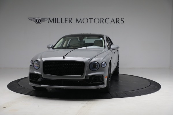 New 2022 Bentley Flying Spur Flying Spur V8 for sale Call for price at Alfa Romeo of Greenwich in Greenwich CT 06830 2