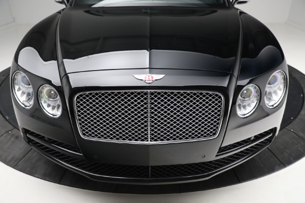 Used 2017 Bentley Flying Spur V8 for sale $144,900 at Alfa Romeo of Greenwich in Greenwich CT 06830 13