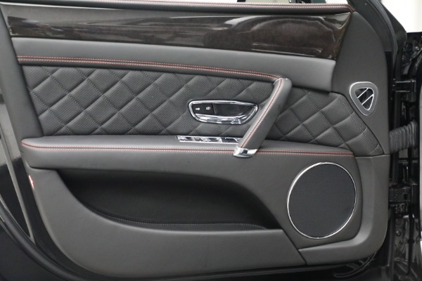 Used 2017 Bentley Flying Spur V8 for sale $144,900 at Alfa Romeo of Greenwich in Greenwich CT 06830 16