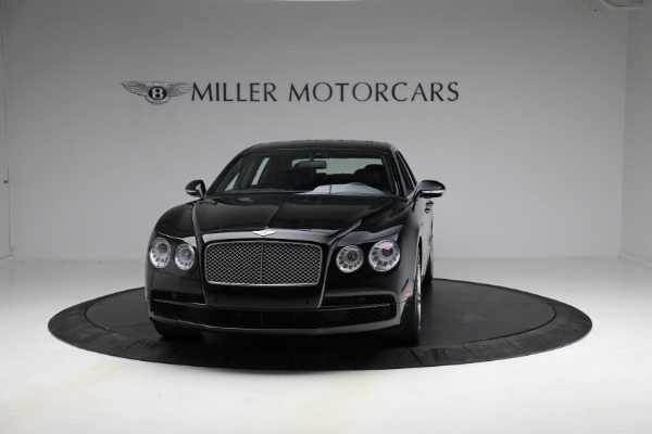 Used 2017 Bentley Flying Spur V8 for sale $144,900 at Alfa Romeo of Greenwich in Greenwich CT 06830 2