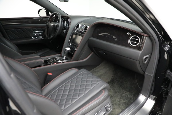 Used 2017 Bentley Flying Spur V8 for sale $144,900 at Alfa Romeo of Greenwich in Greenwich CT 06830 25