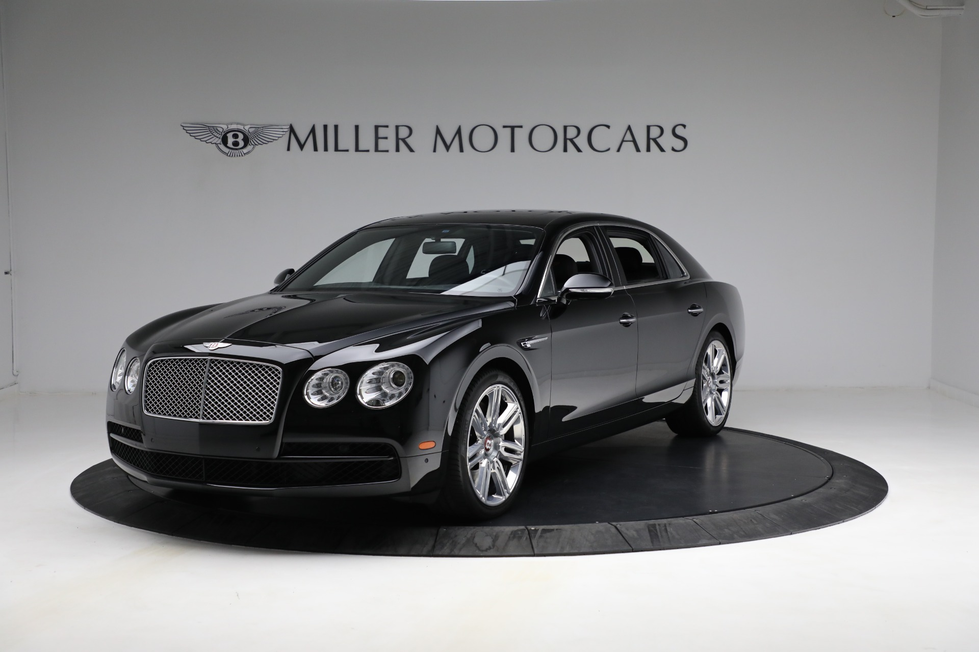 Used 2017 Bentley Flying Spur V8 for sale $144,900 at Alfa Romeo of Greenwich in Greenwich CT 06830 1