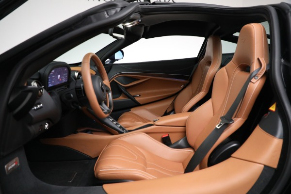 Used 2019 McLaren 720S Luxury for sale Call for price at Alfa Romeo of Greenwich in Greenwich CT 06830 17