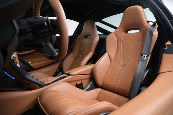 Used 2019 McLaren 720S Luxury for sale Call for price at Alfa Romeo of Greenwich in Greenwich CT 06830 18