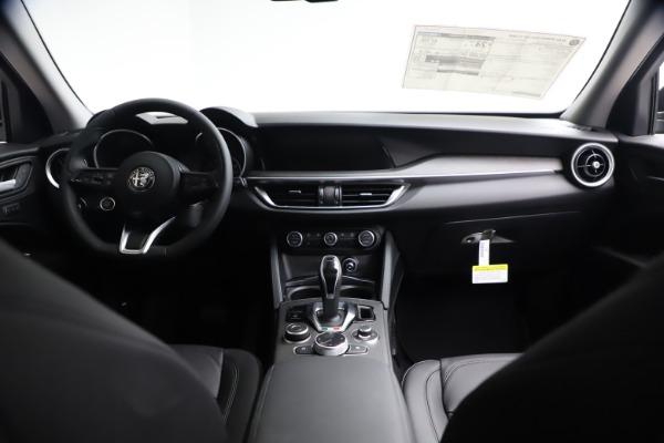 New 2021 Alfa Romeo Stelvio Ti for sale $51,955 at Alfa Romeo of Greenwich in Greenwich CT 06830 15