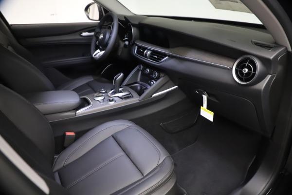 New 2021 Alfa Romeo Stelvio Ti for sale $51,955 at Alfa Romeo of Greenwich in Greenwich CT 06830 19