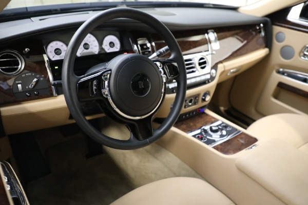Used 2011 Rolls-Royce Ghost for sale Call for price at Alfa Romeo of Greenwich in Greenwich CT 06830 12