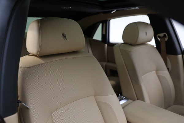 Used 2011 Rolls-Royce Ghost for sale Call for price at Alfa Romeo of Greenwich in Greenwich CT 06830 15