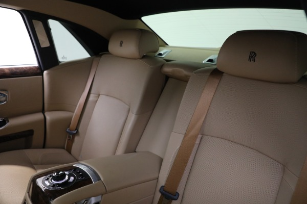 Used 2011 Rolls-Royce Ghost for sale Call for price at Alfa Romeo of Greenwich in Greenwich CT 06830 16