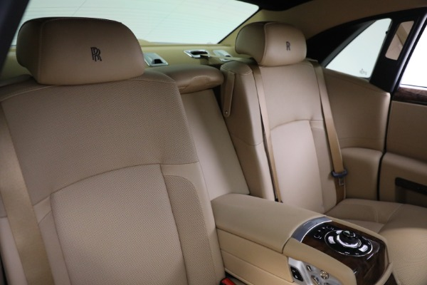 Used 2011 Rolls-Royce Ghost for sale Call for price at Alfa Romeo of Greenwich in Greenwich CT 06830 17