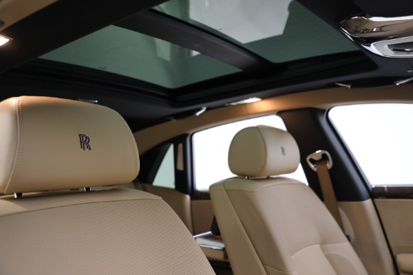 Used 2011 Rolls-Royce Ghost for sale Call for price at Alfa Romeo of Greenwich in Greenwich CT 06830 22