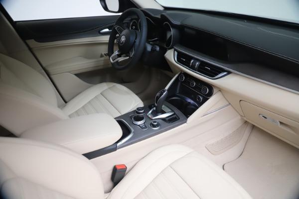 New 2021 Alfa Romeo Stelvio Ti Q4 for sale $54,755 at Alfa Romeo of Greenwich in Greenwich CT 06830 19