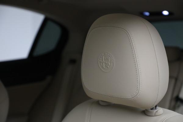 New 2021 Alfa Romeo Stelvio Ti Q4 for sale $55,205 at Alfa Romeo of Greenwich in Greenwich CT 06830 16